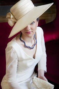 So Elegant By Nina, chapeaux, voiles, et accessoires de coiffure élégants