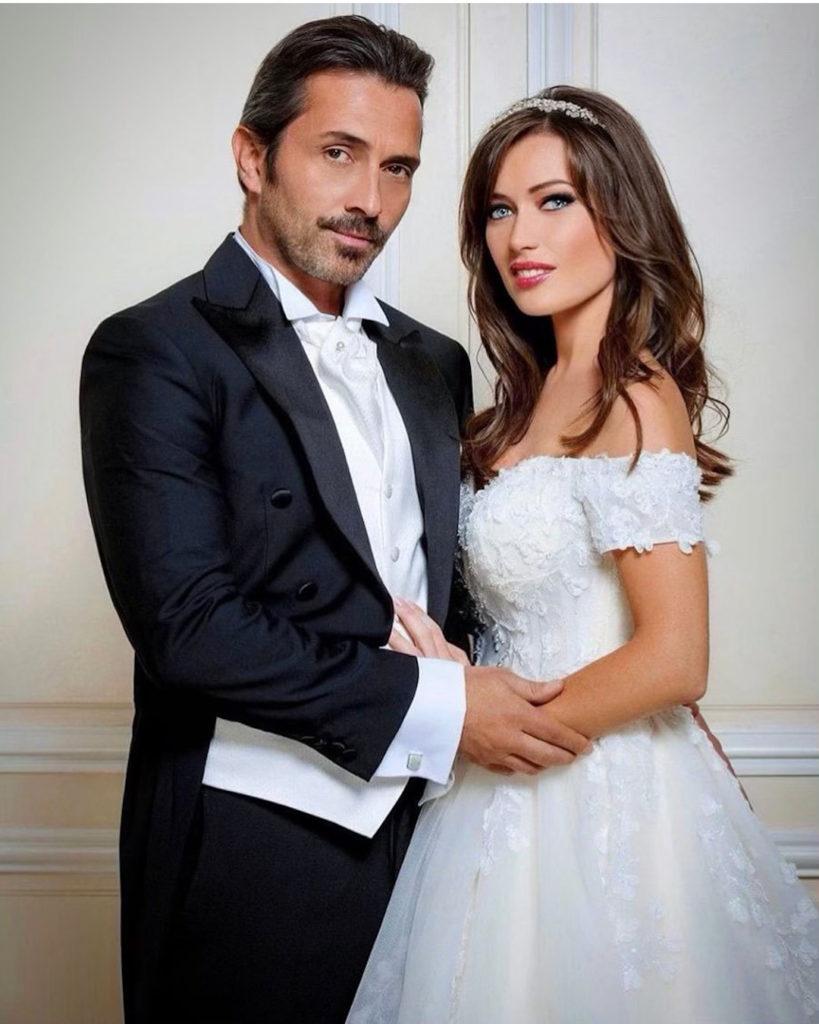 Elsa Esnoult & Sébastien Roch, couple marié des Mystères de l'amoour, Marraine/Parrain du Salon du Mariage de Toulouse Diagora 2020 30°édition